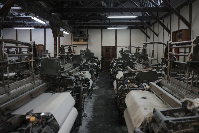 100余年続く、シャットル織機の定番綿織物 石井織物